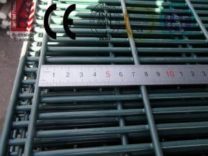 China Galvanized or PVC Coated 358 Anti-Climb High Security Fence factory