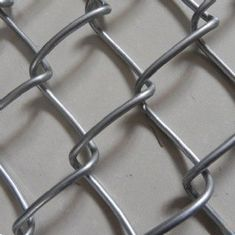 China Galvanized, PVC Coating Chain Link Wire Mesh Fence Hurricane Fence factory