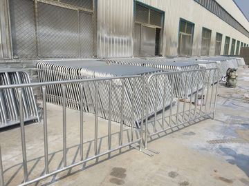 China US standard Crowd Control Barrier 4'x8.6' Flat Steel Base factory