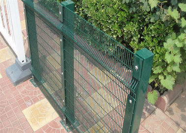 China 12.5X75mm/12.7X76.2mm Corromesh 358 Anti Climb Security Fence factory