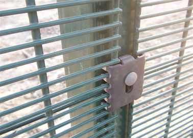 High Security Clearvu Wire Fence Mesh Panel Fence With Taper Post 85 * 45 * 85mm