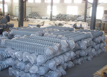 "China Zinc coated galvanized steel chain link fence fabric 5/8""x5/8"" 9GA/3.66mm 11GA/2.95mm 4ft x 50ft factory"