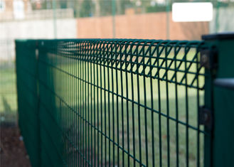 China hot dipped galvanized fence panels, galvanized low price brc fence factory