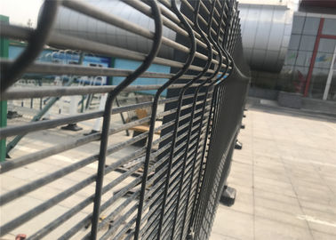 China 358 wire fence panels /clearvu fencing africa 2200mm*2515mm diameter 4.00mm horizontal wire and 3.00mm wire factory