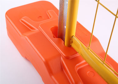 2.1m highx2.4m wide  second hand  steel temporary fencing panels powder coated yellow and orange