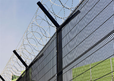 358 wire fence factory/ Ral6005 powder coated 358 wire fence