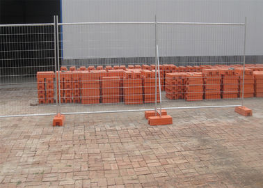 China Construction Temp Fence Panels 2.1mx2.4m OD 28mm wall thick 2.00mm Mesh 60mm*150mm*diameter 4.00mm factory