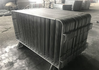 "China US standard3.6'x8.6'  Crowd Control Barriers 1"" tubing with a wall thickness 16ga  1100mmx2600mm upright 5/8"" wll thick factory"