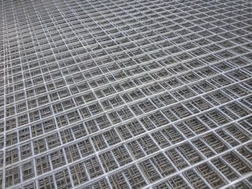 China 1200mmx2400mm galvanized wire mesh sheet 50mmx50mm x 3.15mm diameter factory