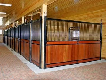 China Galvanized Livestock Horse Stalls Horse Stable With Bamboo Wood factory