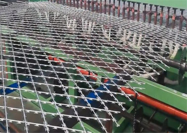 China Welded Razor Mesh Ribbon Fencing 1.2m x 2.5m factory