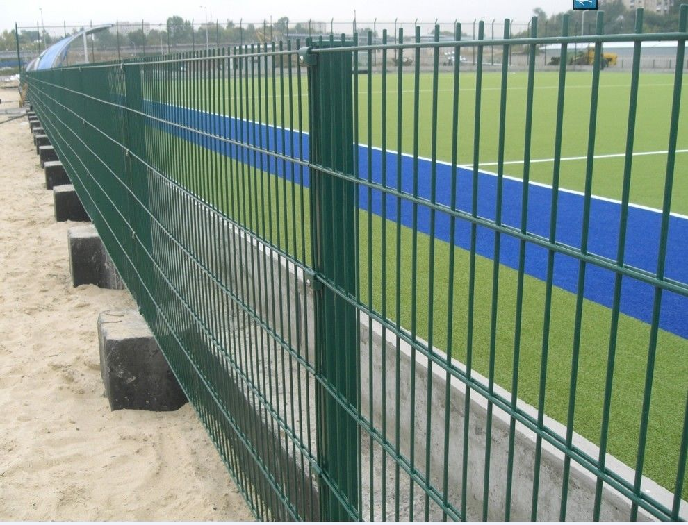 Double wire mesh fence twin
