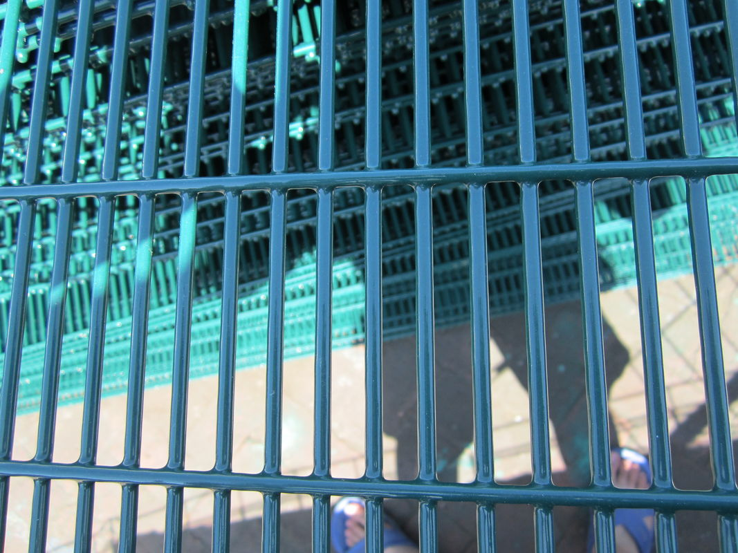 Highly transparent ClearVu Security Fence 358 Anti Climb Wire Mesh Fence Panels supplier