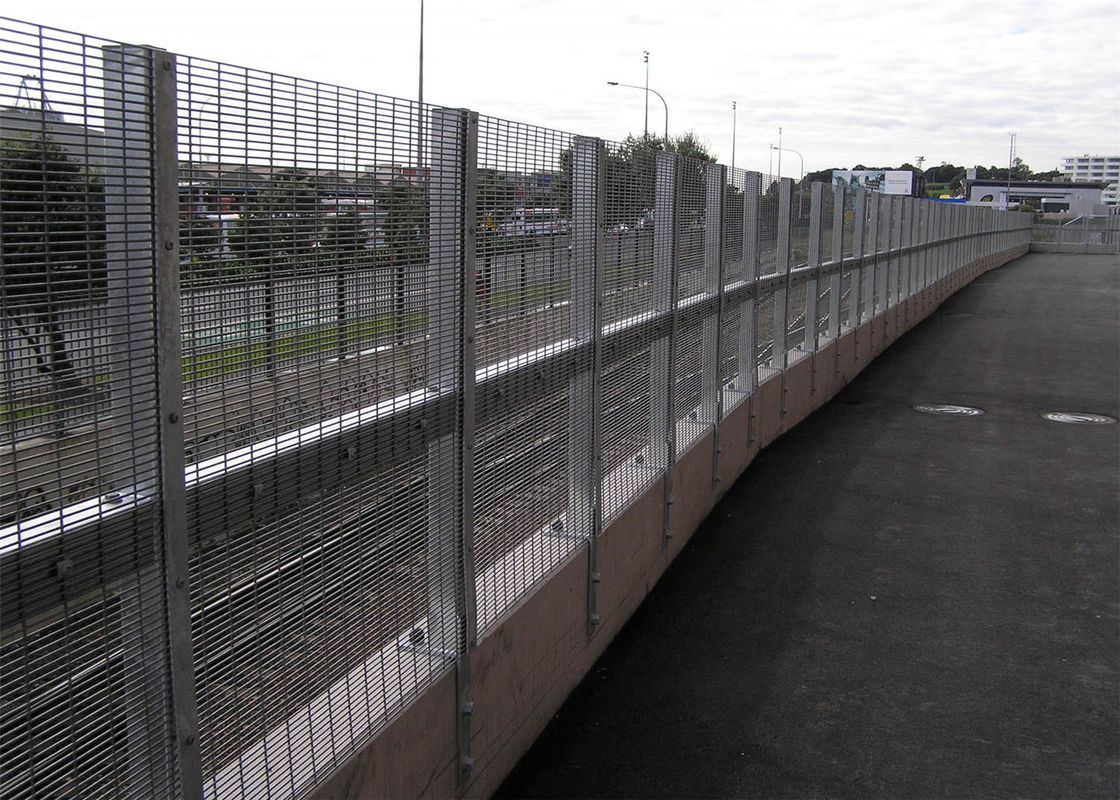 s Anti Climb anti Cut ,High Density Weld Mesh Fence 358 High Security Wire Fence supplier