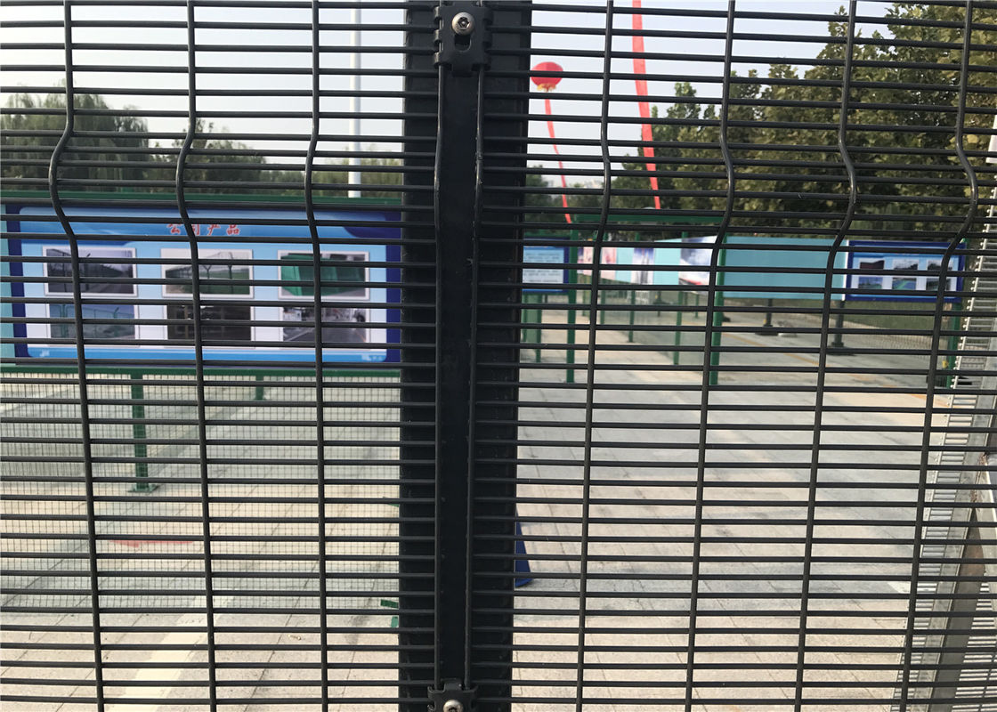 358 Mesh Fence Customized any Size to Meet Requirements Anti Cut and Climb Affordable Price supplier