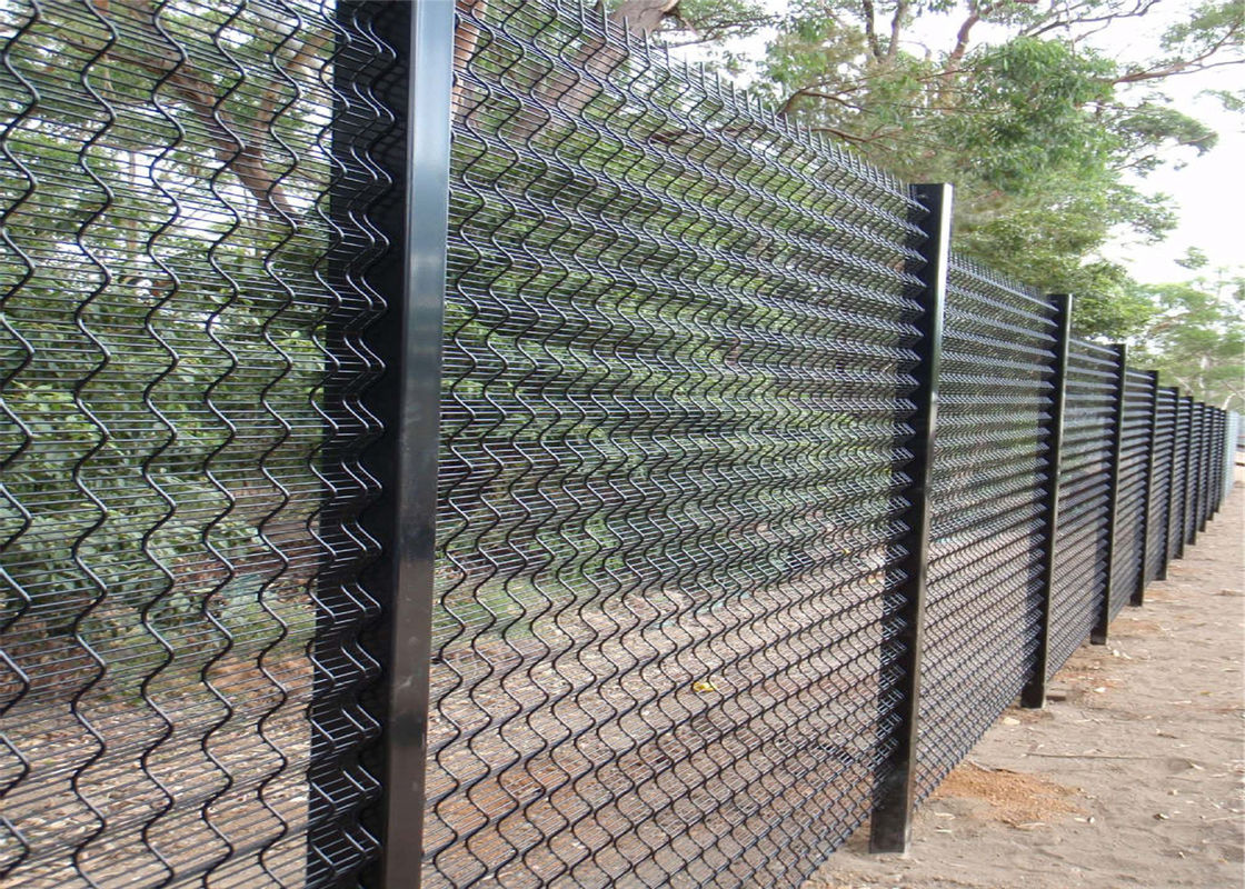 hot dipped galvanized 358 welded wire mesh fence