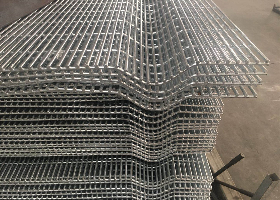 Affordable Galvanized Anti Climb Metal 3 Wave Bends 358 Security Wire Mesh Fence With Barbed Wire supplier