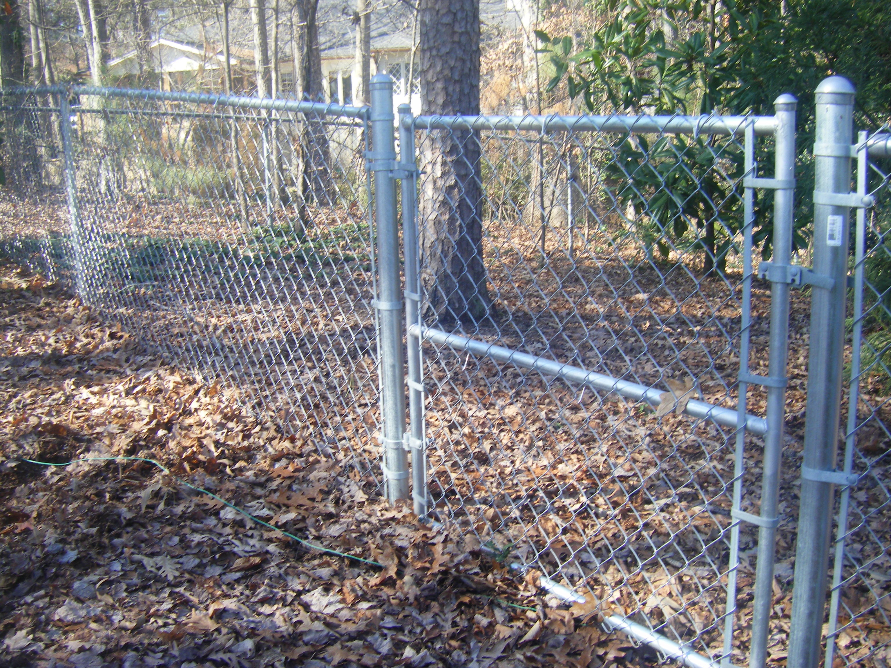 Image gallery lowe 39 s chain link fence for Chain link fence planner