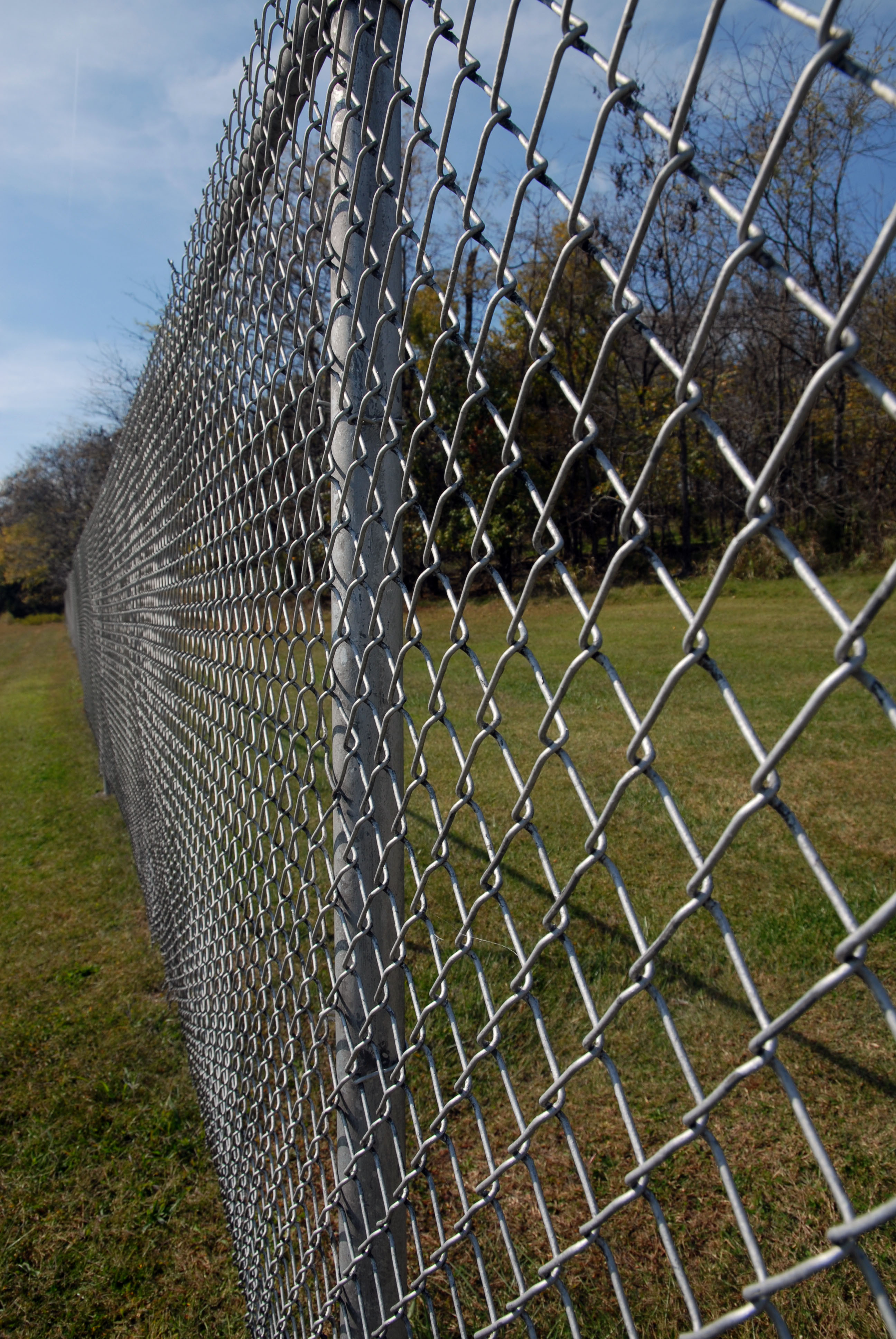 Picture of: Hot Sale Galvanized Export America Playground Fence Decorative 6 Foot Chain Link Fence