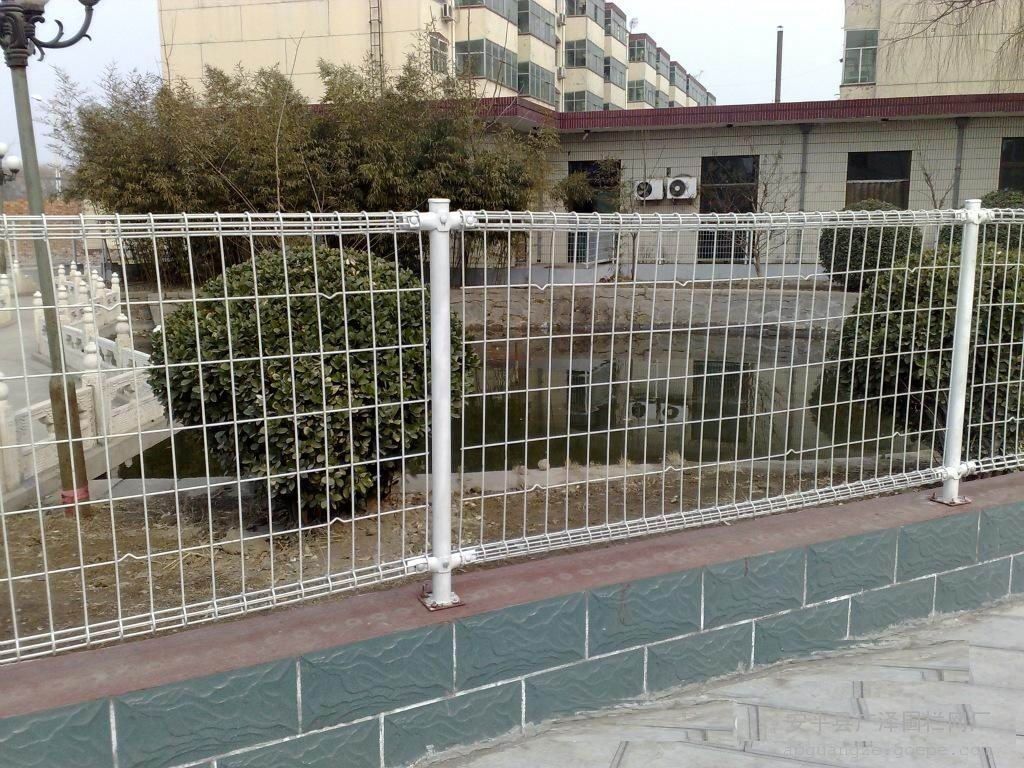 Ornamental Single Double Loop Wire Fence Factory Direct S