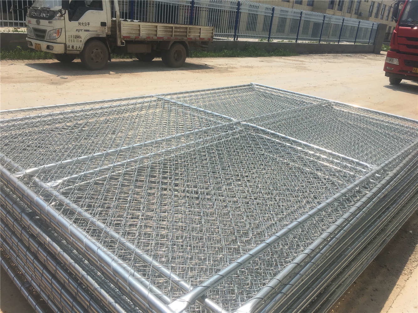 8FT X 12FT 12 5GA wire 38mm outer tubing temp chain link construction  security fence panels