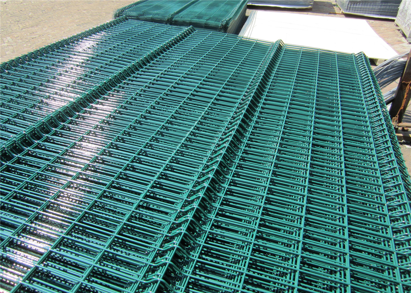 Powder Or Pvc Coated Galvanized Welded Wire Mesh Fence