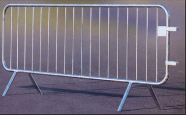 18 Bar Crowd Control Barriers For Belgium 35 mm pipes with a 1.50mm thick finished by fully hot dipped galvanized