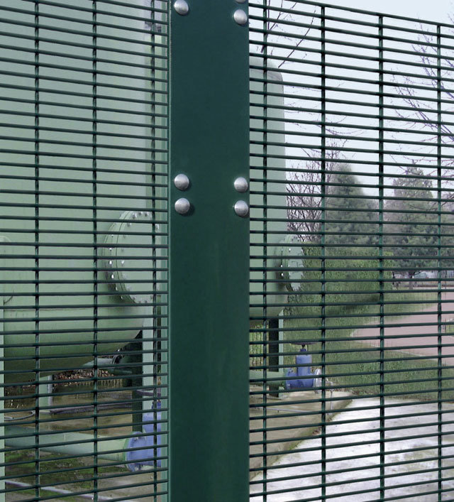 Powder Coated Black or Green Anti Climb High Security 358 Mesh Fence