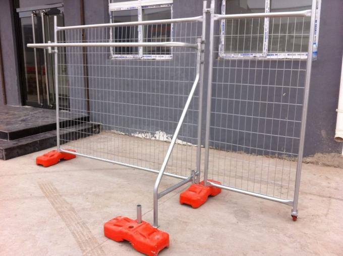 Construction Security Fence Panels tubing 40mm wall thick 1.40mm mesh 75mm*75mm*3.00mm Primer Standard NZS3750.15