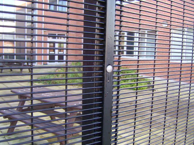 High Security Prison Fencing 358 Security Wire Mesh Fence