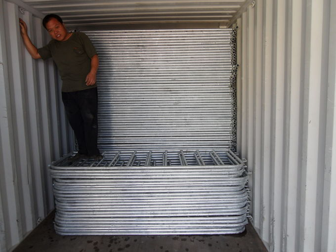 Hot Dipped Galvanized Crowd Control Barriers For Sale, Available any Size Customized