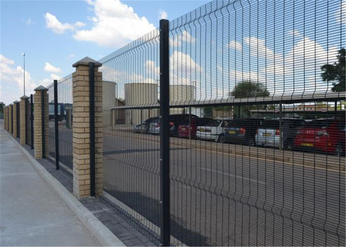 Close Mesh 358 Security Fence