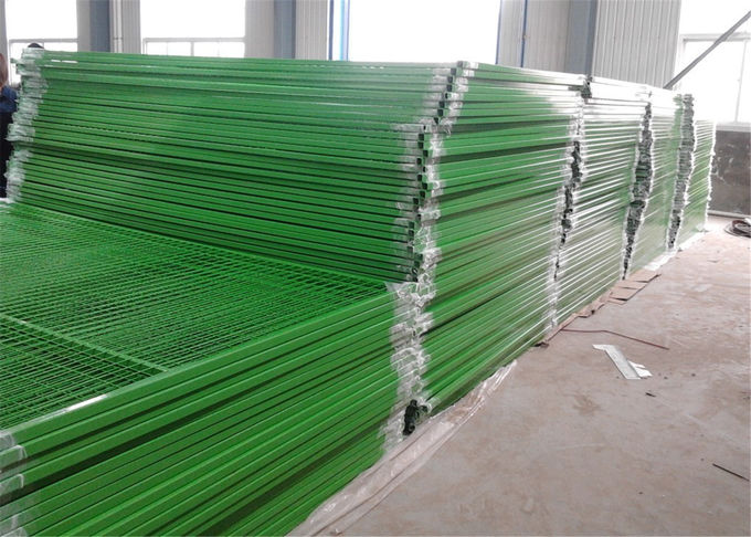 Powder Coated Red Construction Site Fencing Panels 6'x9.5' Mesh 50mm*100mm diameter 2.5mm wall thick 1.00mm
