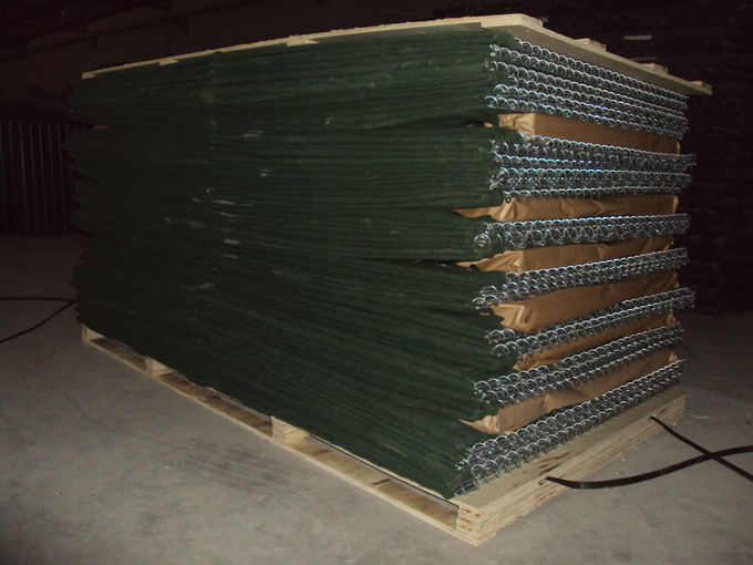 Sand Fileld HESCO Defensive Barriers / Geotextile Lined Military Gabion Barriers Filled HESCO Defensive Ba
