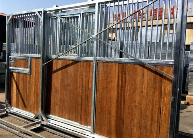 European-style Horse Stall Fronts Hot Dip Galvanized With Swing Feeder